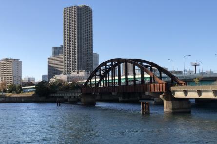 豊洲にある寂れた晴海鉄橋