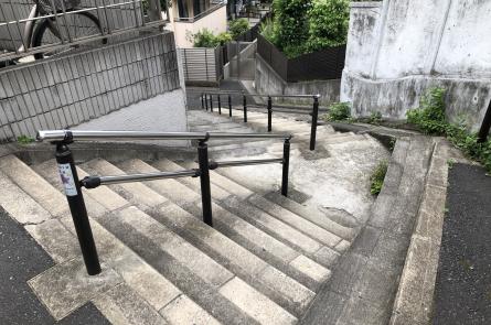 根津おばけ階段