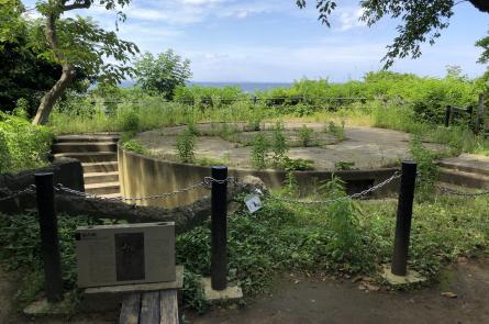島先頭にある一番雰囲気が残る砲台跡