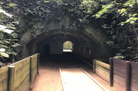 頑丈そうなトンネル